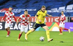 Soccer-Kulusevski returns as Sweden up the ante against Slovakia