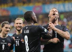 Dutch, Austria look to build on winning starts