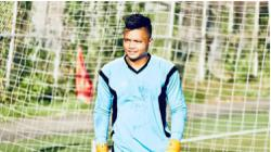 Myanmar footballer to seek asylum in Japan