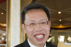 Sarawak to reach 50,000 vaccine doses daily or more to complete vaccination plan by August, says Dr Sim