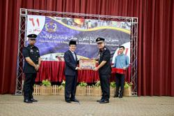 Brunei minister lauds achievements of fire department