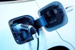 Daimler speeds up shift to electric vehicles, Manager Magazin reports