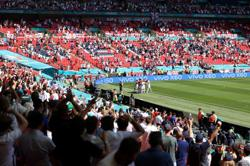 Soccer-UEFA hoping UK will allow overseas fans for final Euro games