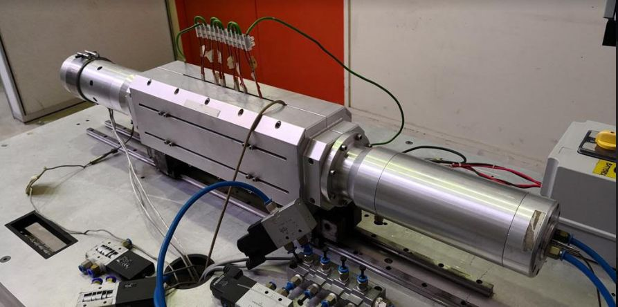 The 1 kilowatt free piston linear generator for distributed power generation.