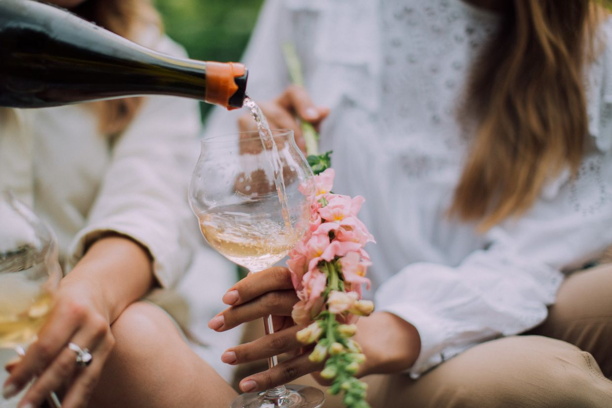 Legs or tears flowing back down the wine glass only work with wine glasses that have not been cleaned in a dishwasher using a rinse solution. — ELLY FAIRYTALE/Pexels
