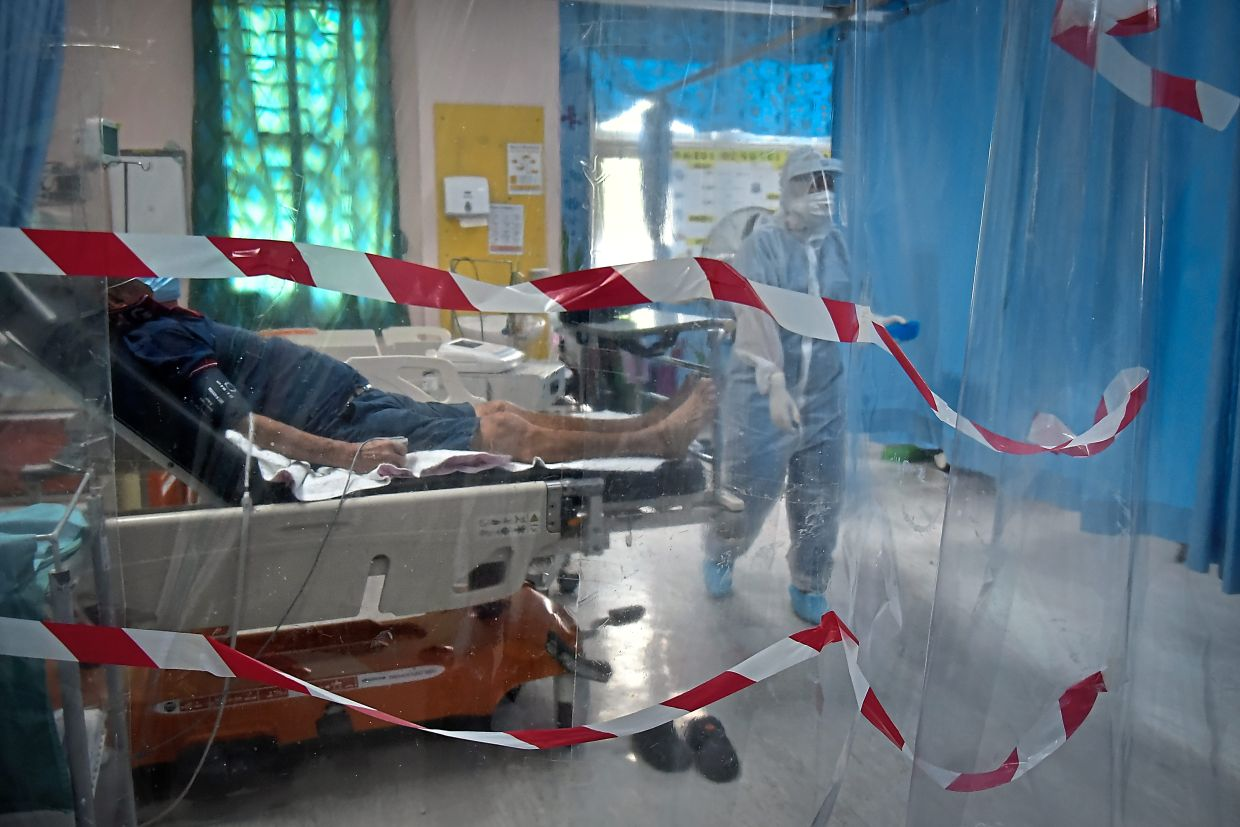 Covid-19 patients who are generally physically active have a better chance of avoiding hospitalisation and ICU admission than those who aren't. — Bernama