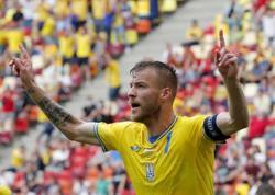 Soccer-Ukraine's Yarmolenko joins bottle bad boys at European Championship