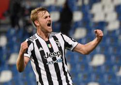 Soccer-De Ligt returns for Dutch, Austria bring in Gregoritsch