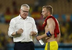 Soccer-Sweden not bothered by tactical criticism ahead of Slovakia clash