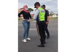 Sabah cops probe viral video of woman ranting at roadblock