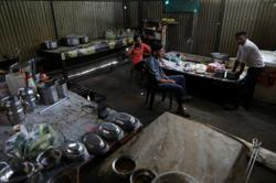 India's roadside restaurateurs count cost of pandemic