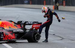 Motor racing-McLaren wants more transparency on cause of Baku tyre failures