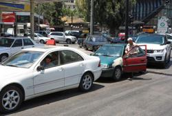 Work from car: Long queues for fuel force Lebanese to adapt