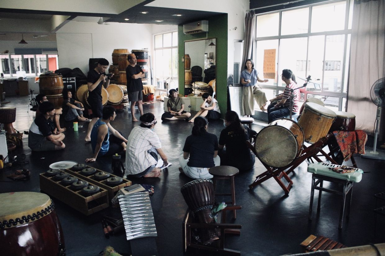 Rehearsals and brainstorming sessions for the Lang4 X Lepak music album, which was released in September 2020. Photo: Orang Orang Drum Theatre