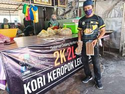 Keropok seller: No need to pay if not satisfied