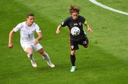 Soccer-Super Schick puts Czechs closer to knockouts with Croatia draw