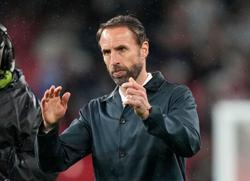 Soccer-England's Southgate looks at bigger picture after drab draw is jeered