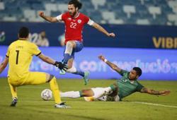 Soccer-English-born striker new hero for Chile in Copa America