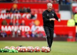 Soccer-Fear factor has returned for England, says McClaren