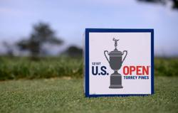 Golf-Henley holds nerve and U.S. Open lead midway through third round