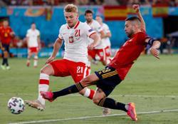 Soccer-We do have intensity says Jordi Alba as Spain struggle again