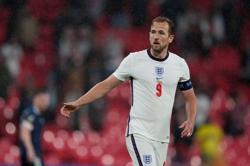 Soccer-I feel as good as I have all season, says England's Kane