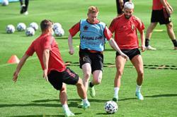 Facial injury still affecting playmaker De Bruyne