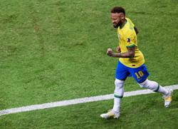 Emotional Neymar counts down to Pele's record for Brazil