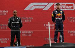 Motor racing-Hamilton plays down blow of another loss to Verstappen