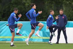 Soccer-No panic in England camp ahead of final Euro group game: Sterling