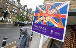 UK house prices show biggest seasonal rise since 2015