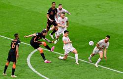Soccer-Netherlands beat North Macedonia 3-0 to complete clean sweep in Group C