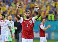Analysis: Soccer-Versatile Alaba runs free to keep Austria dream alive