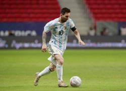 Soccer-No rest for Messi in record-breaking Argentina appearance