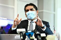 Radzi: Use schools as vaccination centres with priority for exam year cohorts