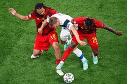 Skilful Belgium display qualities as key midfielders go the distance