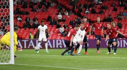 Early England goal ensures win and top spot in Group D