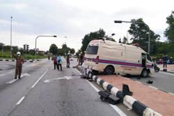 Two babies unscathed, mums slightly hurt in car-ambulance collision