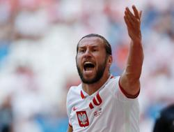Soccer-Krychowiak in for Poland's must-win game with Sweden