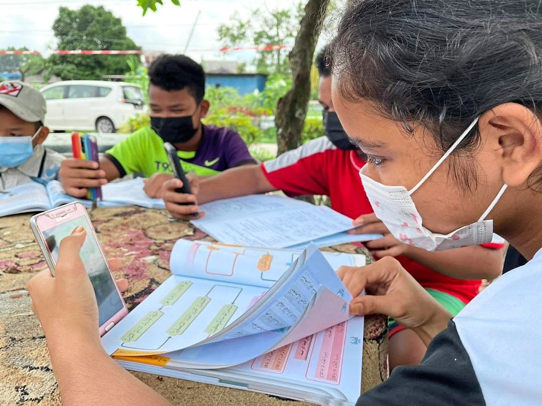 More children are using smartphones for learning due to the pandemic.