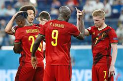 Fit-again winger's return gives Belgium a dilemma