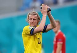 Forsberg hails Swedish show of strength in last-gasp Poland win