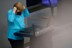 Germany's Merkel says EU should seek direct contact with Putin