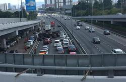 Collision between two lorries leads to four-vehicle pile up on MRR2