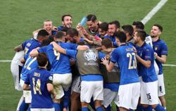 Soccer-Clean sheet kings Italy should conquer Austria in last 16