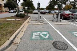 U.S. infrastructure deal would fund electric buses, charging stations