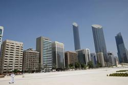 Abu Dhabi says no vaccines for tourists, changes app posting