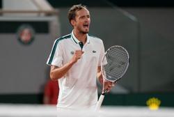 Tennis-Medvedev reaches final in Mallorca, will face Querrey