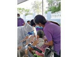 More mobile vaccination units needed for PJ seniors