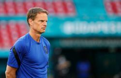 Soccer-Dutch capable of winning Euro 2020, says coach De Boer